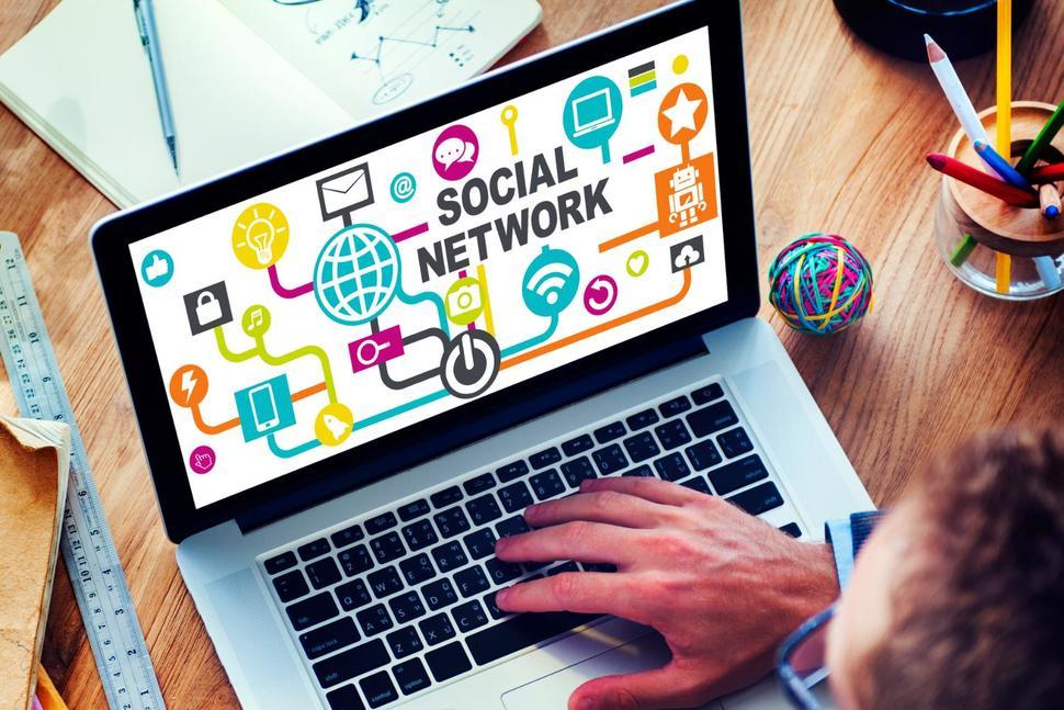 Social network e ricerche di lavoro: i pro e i contro da tenere in considerazione